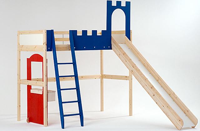 Hochbett mit Rutsche bauen