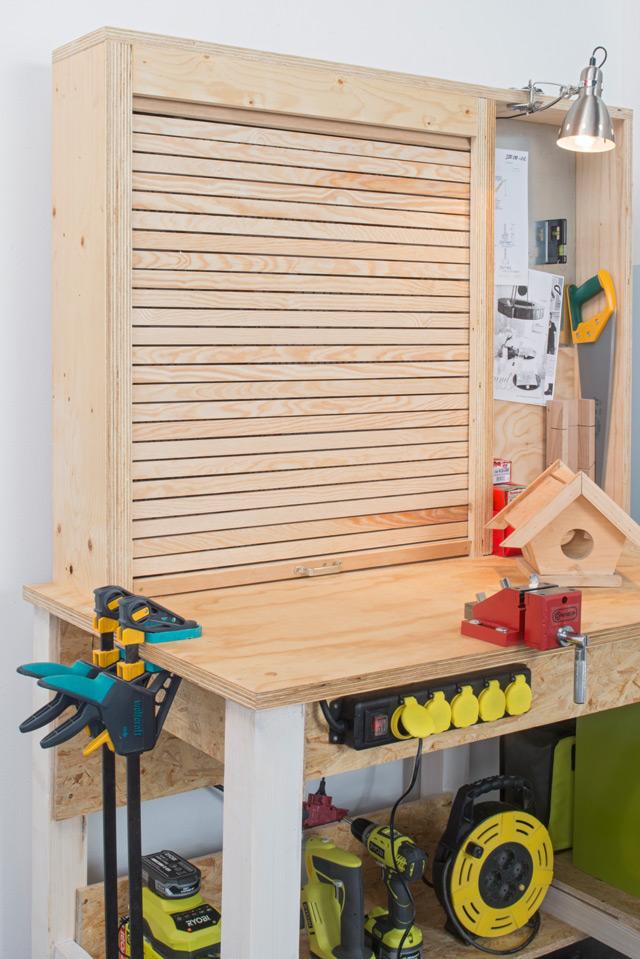 Werkbank mit Werkzeughalter