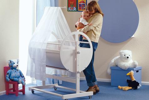 bauanleitung baby wiege selbst bauen. Black Bedroom Furniture Sets. Home Design Ideas