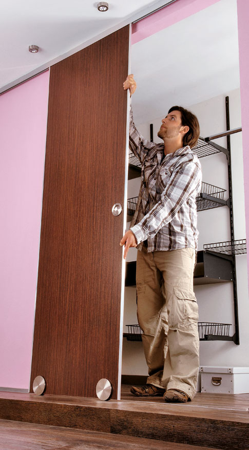 begehbarer kleiderschrank schiebet ren einbauen schr nke regale. Black Bedroom Furniture Sets. Home Design Ideas