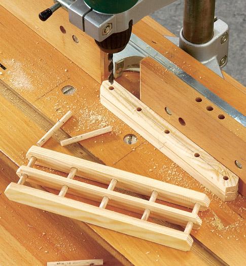 Vogelfutterhaus - Dach & Geländer bauen: Schritt 8 von 12