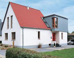Ungeahnte Platzreserve: Ein Siedlungshaus wächst über sich hinaus