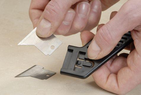 silikonfugen schnell entfernen bauen renovieren. Black Bedroom Furniture Sets. Home Design Ideas