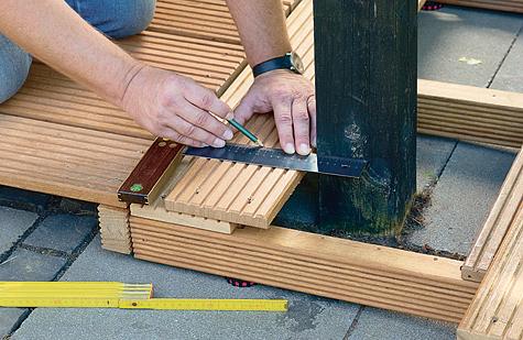 Bauanleitung: Holzterrasse montieren – Schritt 7 von 18