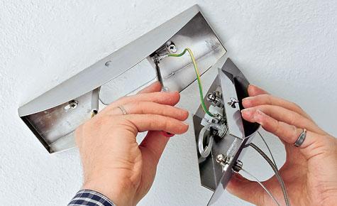 Schritt 7: Metallteile mit Schutzleiter verbinden
