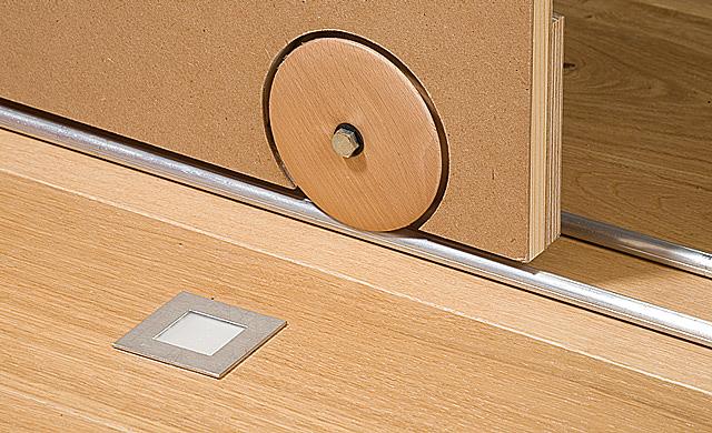 schiebet r f hrung. Black Bedroom Furniture Sets. Home Design Ideas