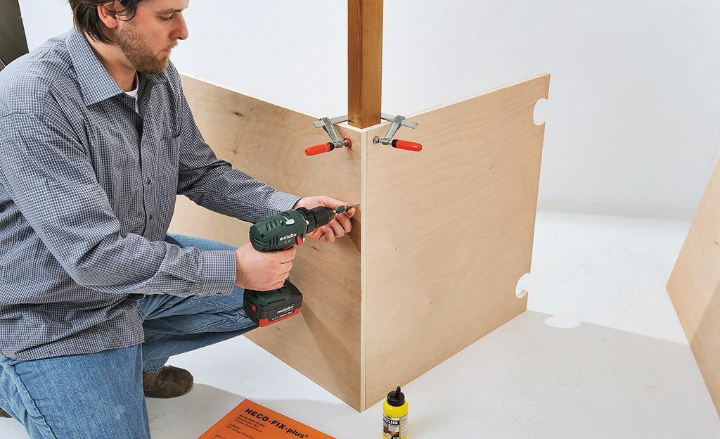 schreibtisch auf rollen b rom bel mediam bel. Black Bedroom Furniture Sets. Home Design Ideas