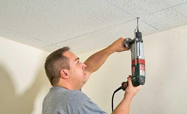 Как можно сделать отверстие в натяжном потолке 373