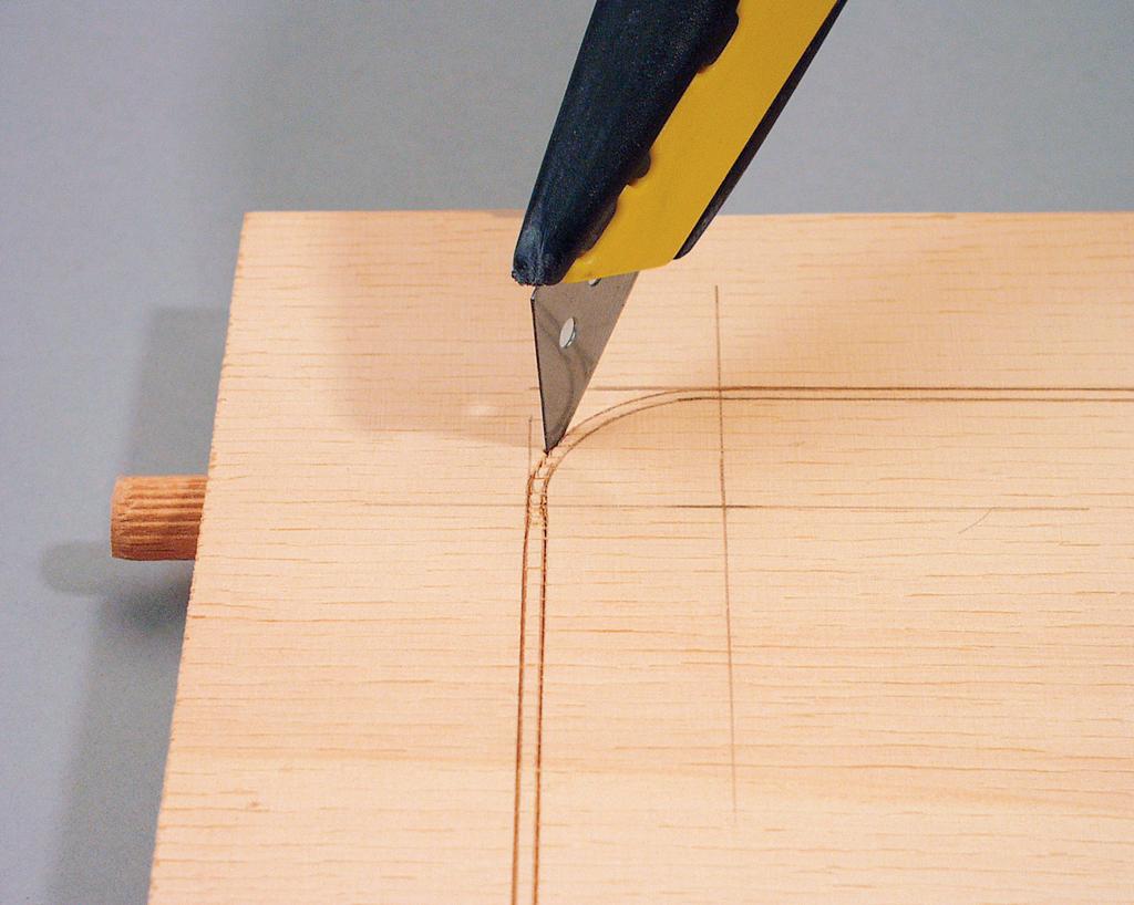 Sperrholz einritzen