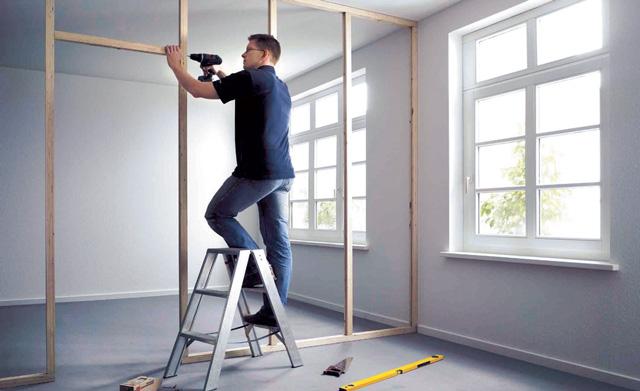 trennwand aus holzst nderwerk trockenbau. Black Bedroom Furniture Sets. Home Design Ideas