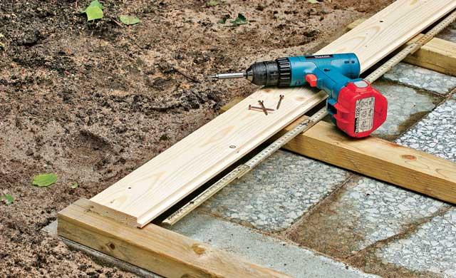 Lage der Holzdiele beachten
