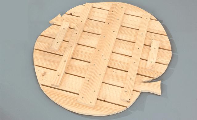 Tischplatte in Apfelform