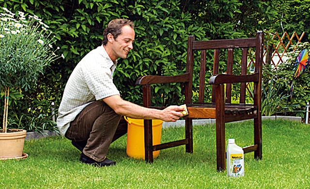Gartenmöbel streichen
