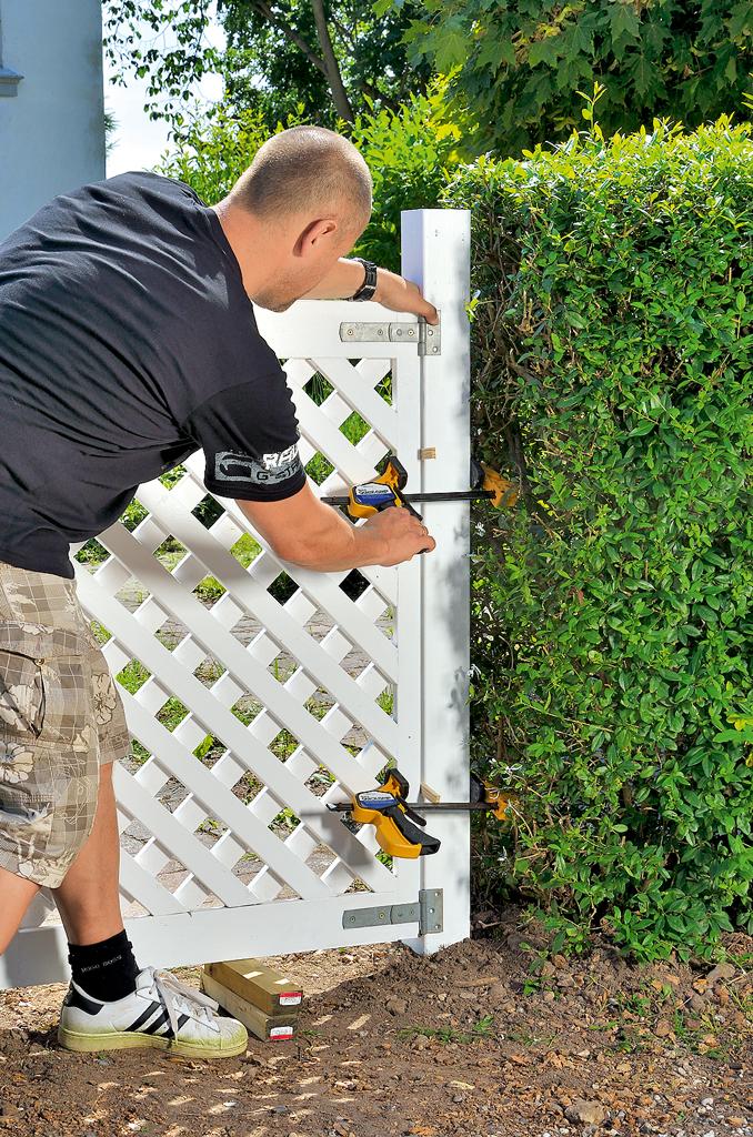 Zaun: Gartentor bauen