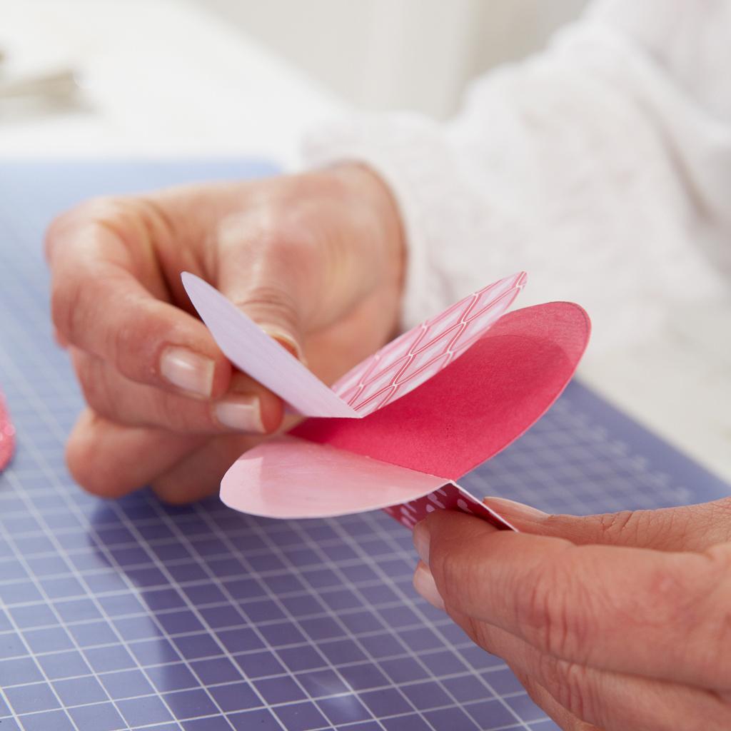 Valentinstag: Herzanhänger basteln