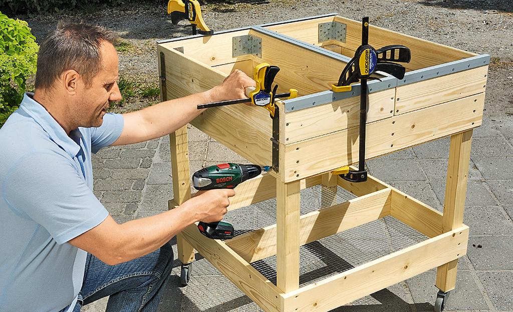 Kräuterkasten: Hochbeet bauen