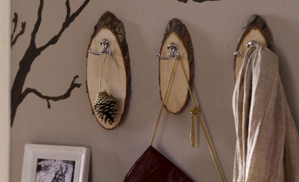 kleiderhaken aus baumscheiben basteln. Black Bedroom Furniture Sets. Home Design Ideas