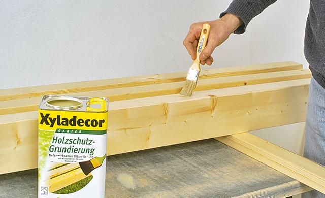 Holzschutz auftragen
