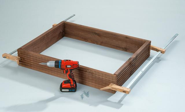 pflanzkasten mit rankgitter pflanzhilfen rankhilfen. Black Bedroom Furniture Sets. Home Design Ideas