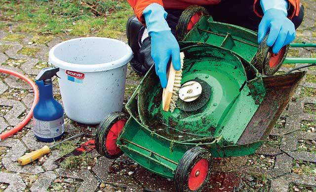 Rasenmäher Reinigung