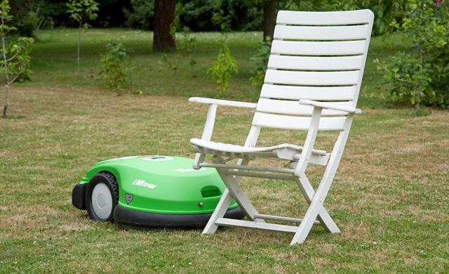 robomow automower vs imow gartentechnik. Black Bedroom Furniture Sets. Home Design Ideas