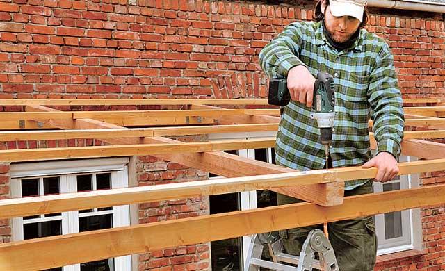 Dachlatten befestigen