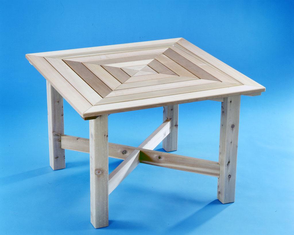 Holz-Gartentisch