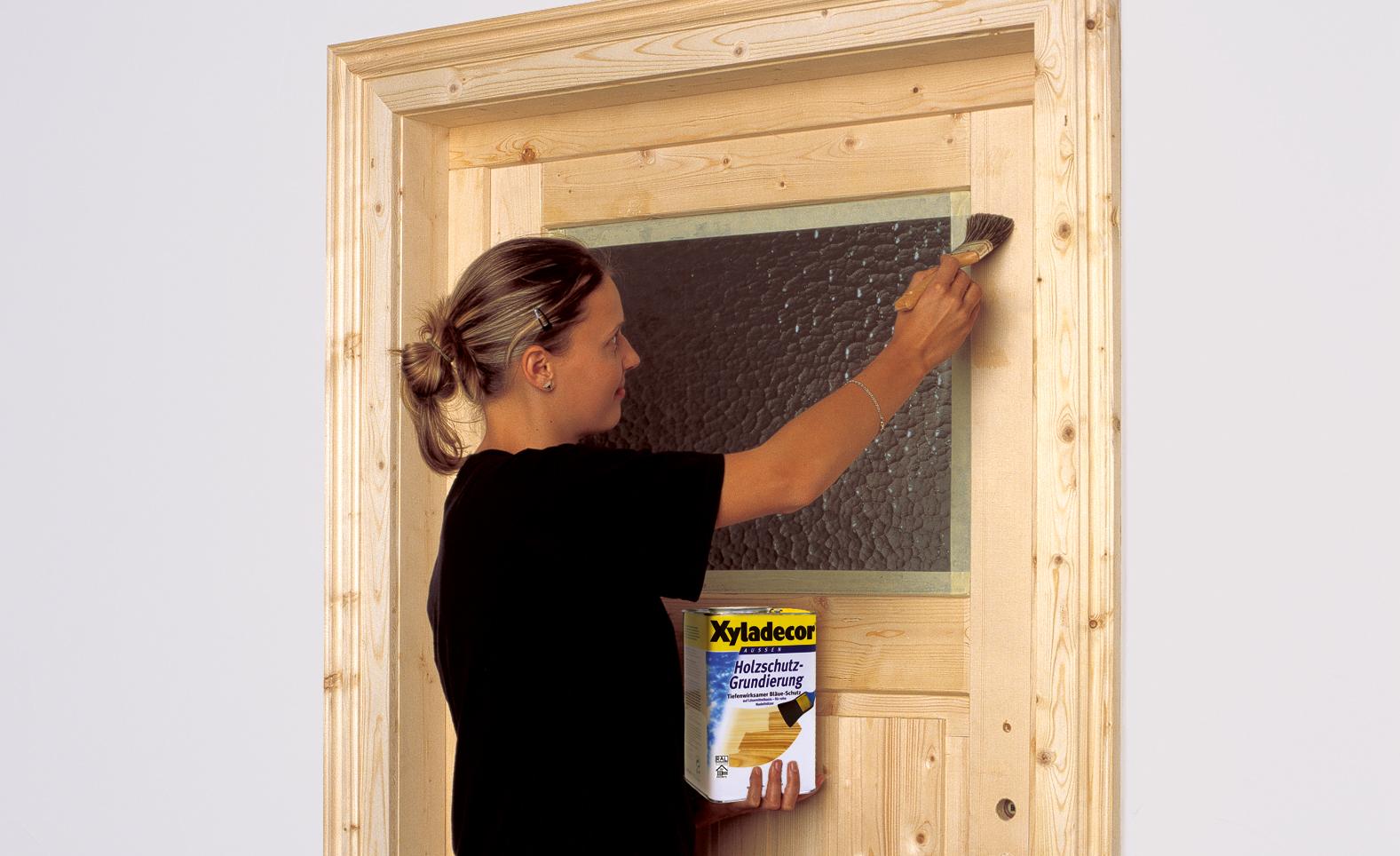 Holztür streichen