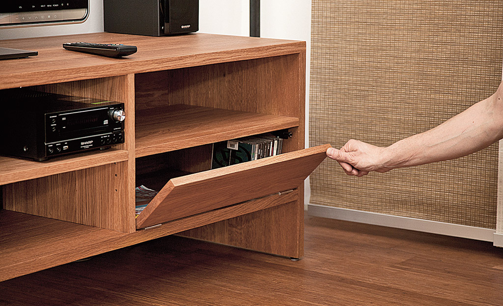 tv lowboard b rom bel mediam bel. Black Bedroom Furniture Sets. Home Design Ideas