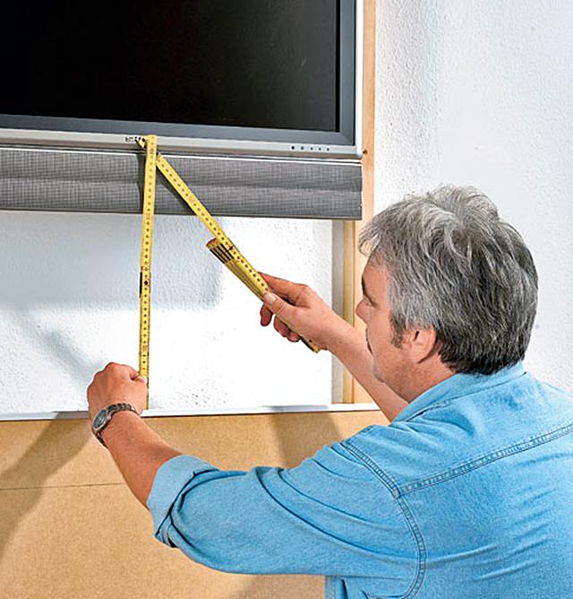 tv wand mit h ngeschrank b rom bel mediam bel. Black Bedroom Furniture Sets. Home Design Ideas