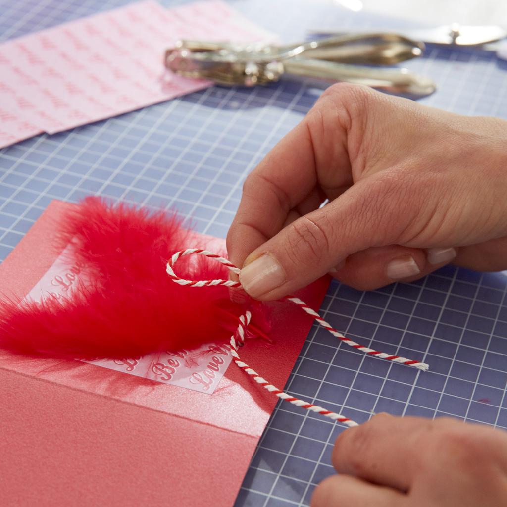 Valentinstag: Grußkarte basteln