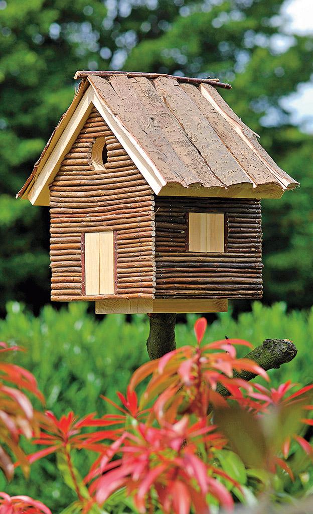 Vogelhaus im Blockhaus-Stil