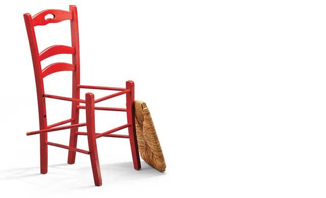 kaputter stuhl. Black Bedroom Furniture Sets. Home Design Ideas