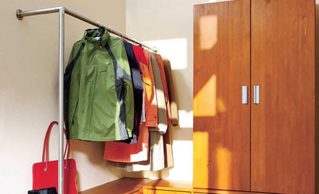 Flur garderobe mit stauraum und schuhregal bauen for Garderobe und schuhregal