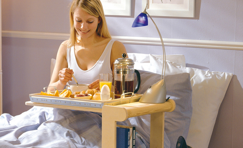 Nachttisch mit Bett-Tablett