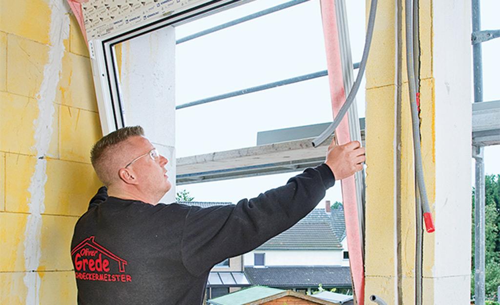 Montageschaum zur fenstermontage baustoffe bauelemente for Fenster einbauen