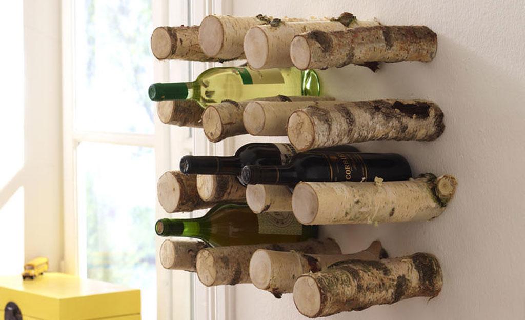Flaschenregal aus Ästen bauen
