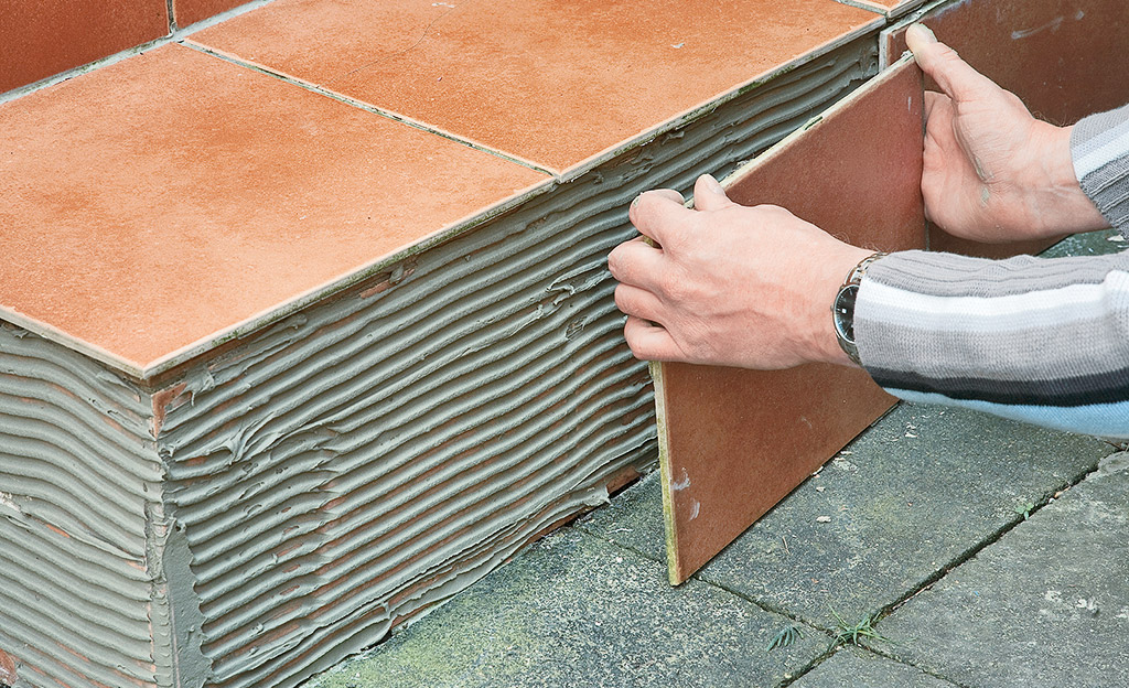 Fliesen im Außenbereich reparieren