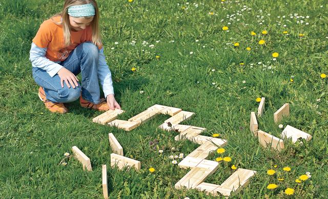 Gartenspiel: Domino bauen