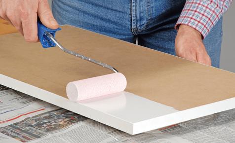 anleitung m bel lackieren lackieren streichen. Black Bedroom Furniture Sets. Home Design Ideas