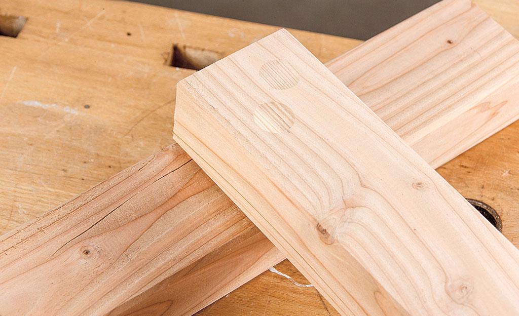 Video: Holzverbindungen – Verdeckte Verschraubung