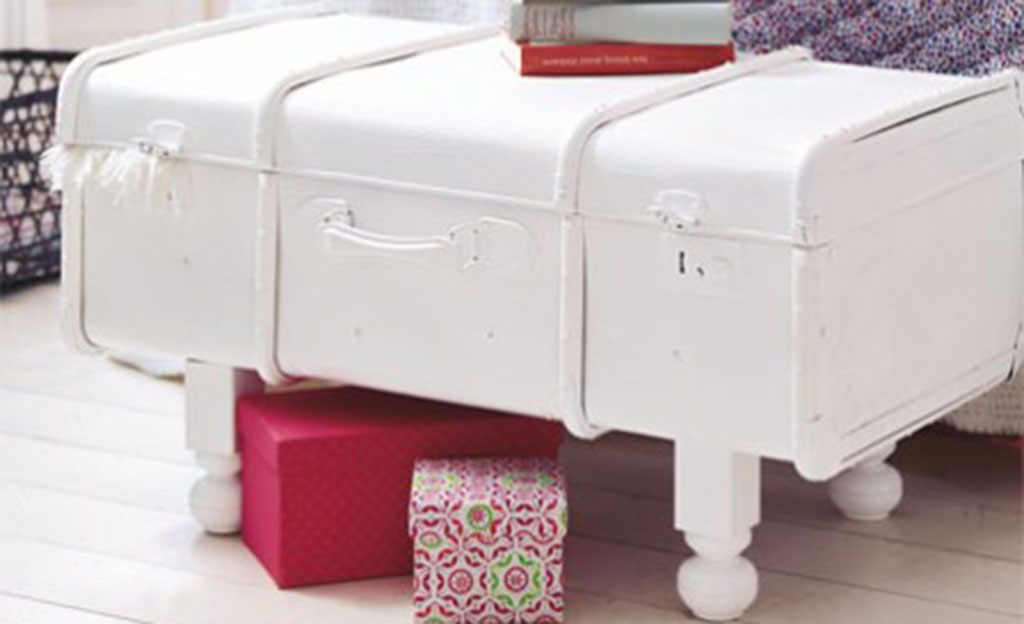 Upcycling: Koffer als Sitzbank umbauen