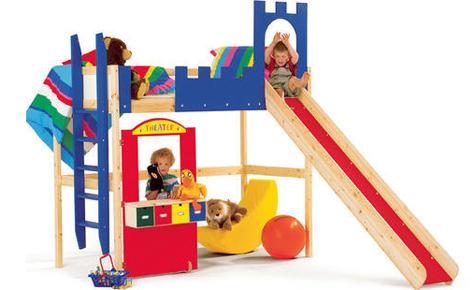 Kindermöbel und Spielhäuser