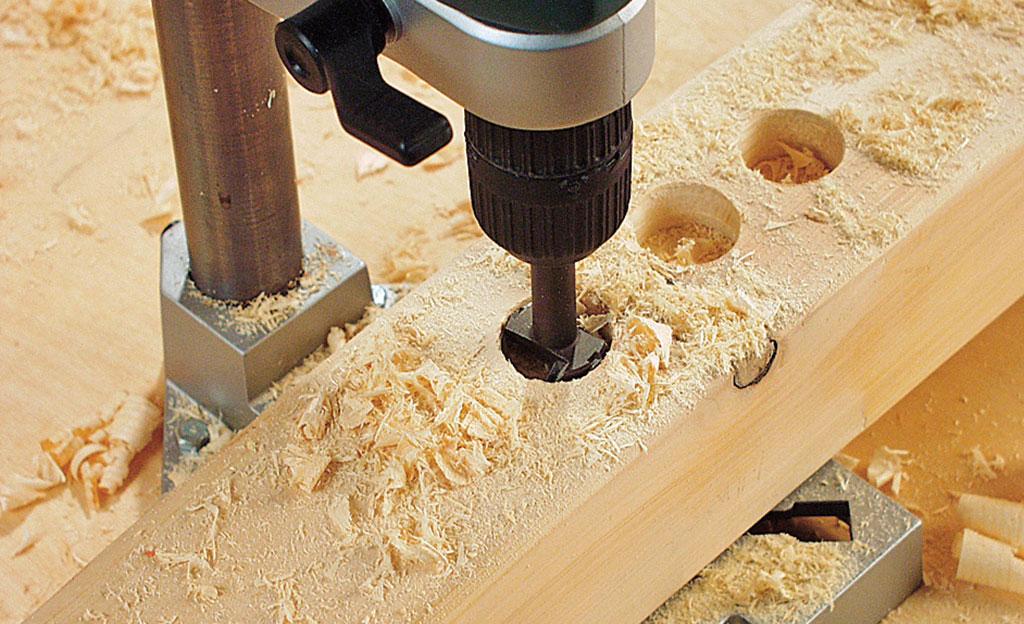 So funktioniert ein Holz-Bohrer