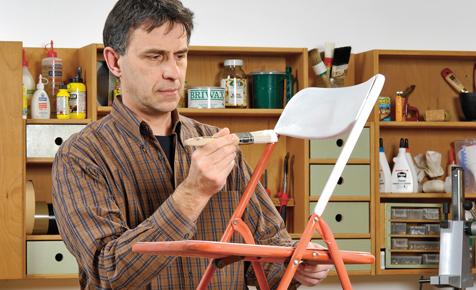 Kunststoff-Möbel lackieren