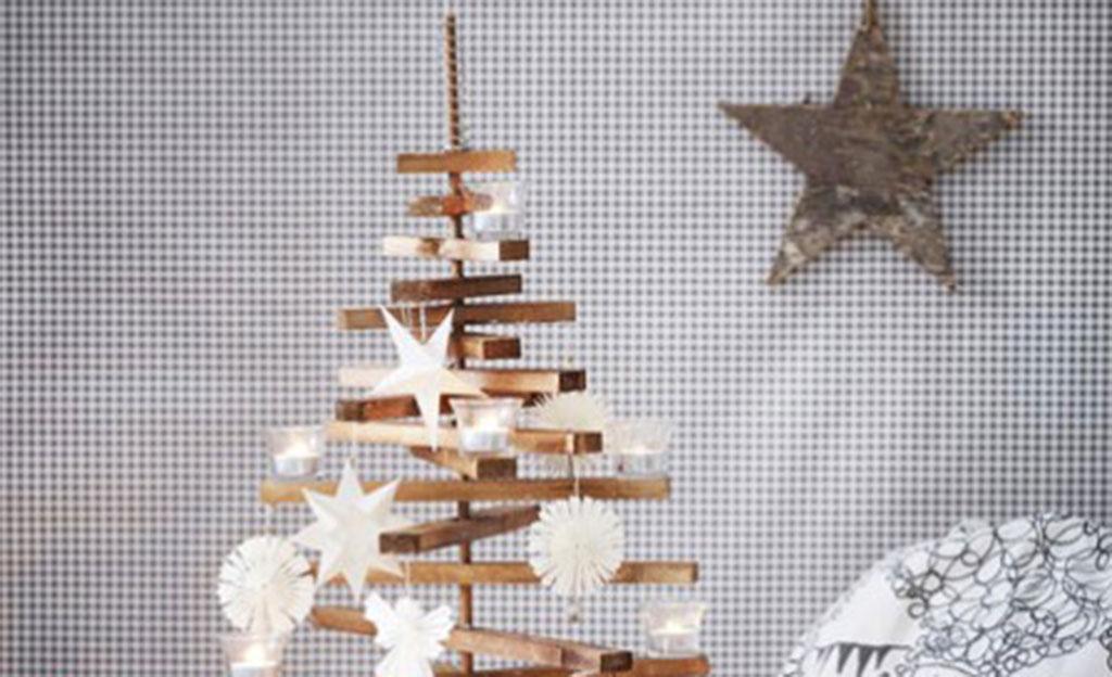 Bilder Aus Tapeten Basteln : Weihnachtsbaum aus Holz Basteln selbst.de
