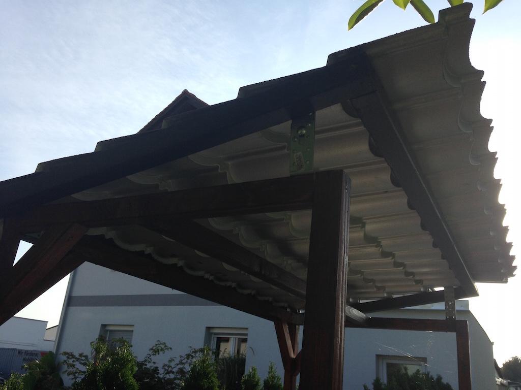 Grillpavillon von der Seite