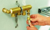 Abwasserrohr: Adapter aufschrauben