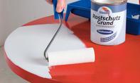 Metall mit Rostschutzfarbe streichen