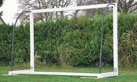 Fußballtor selber bauen: Fußballtor lackieren